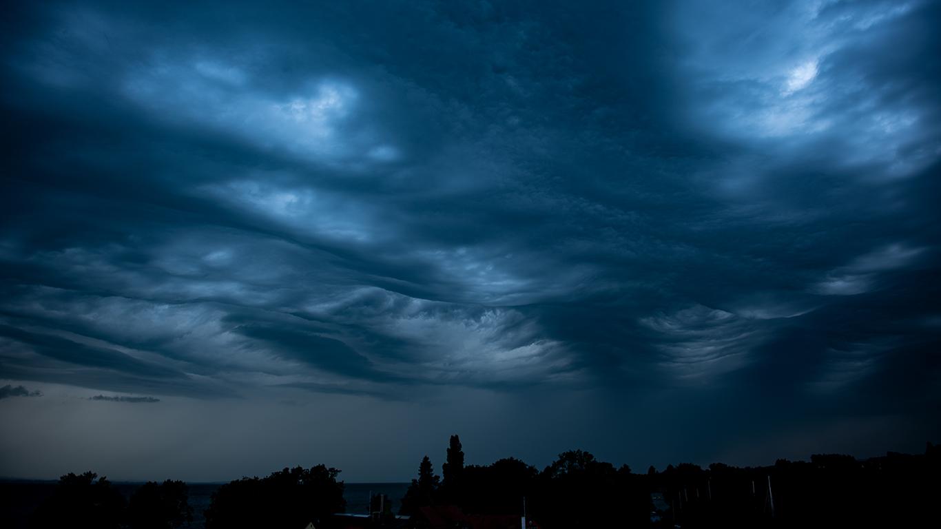 Wolkenwellen am Bodensee