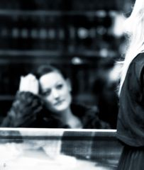 woman-spotting