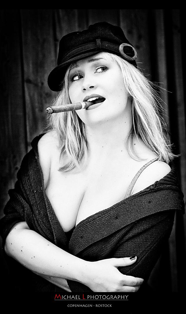 Women & Cigars ....!!