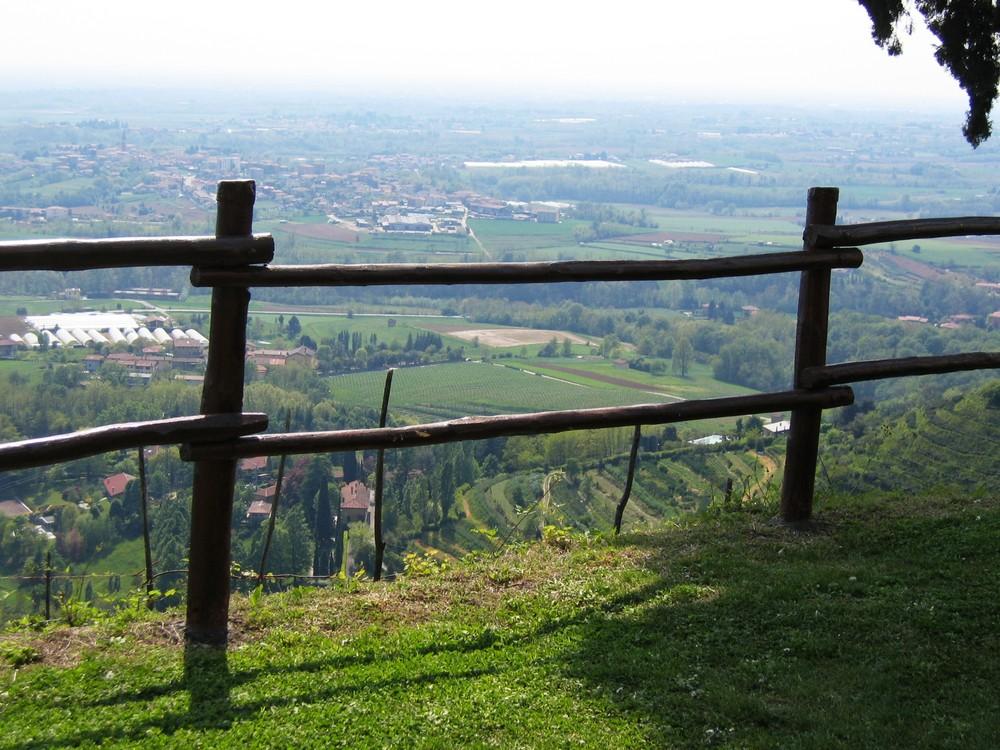 wooden frame in montevecchia