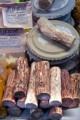 Wooden pieces to make thanakha