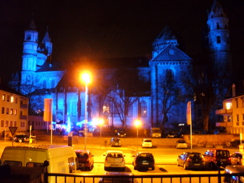 Wormser Dom in Blau