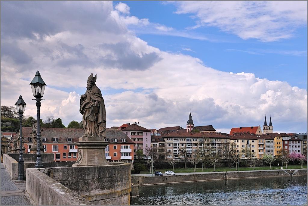 Würzburg - Auf der alten Mainbrücke