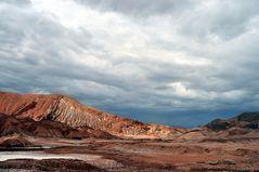 Wüste und Wolken