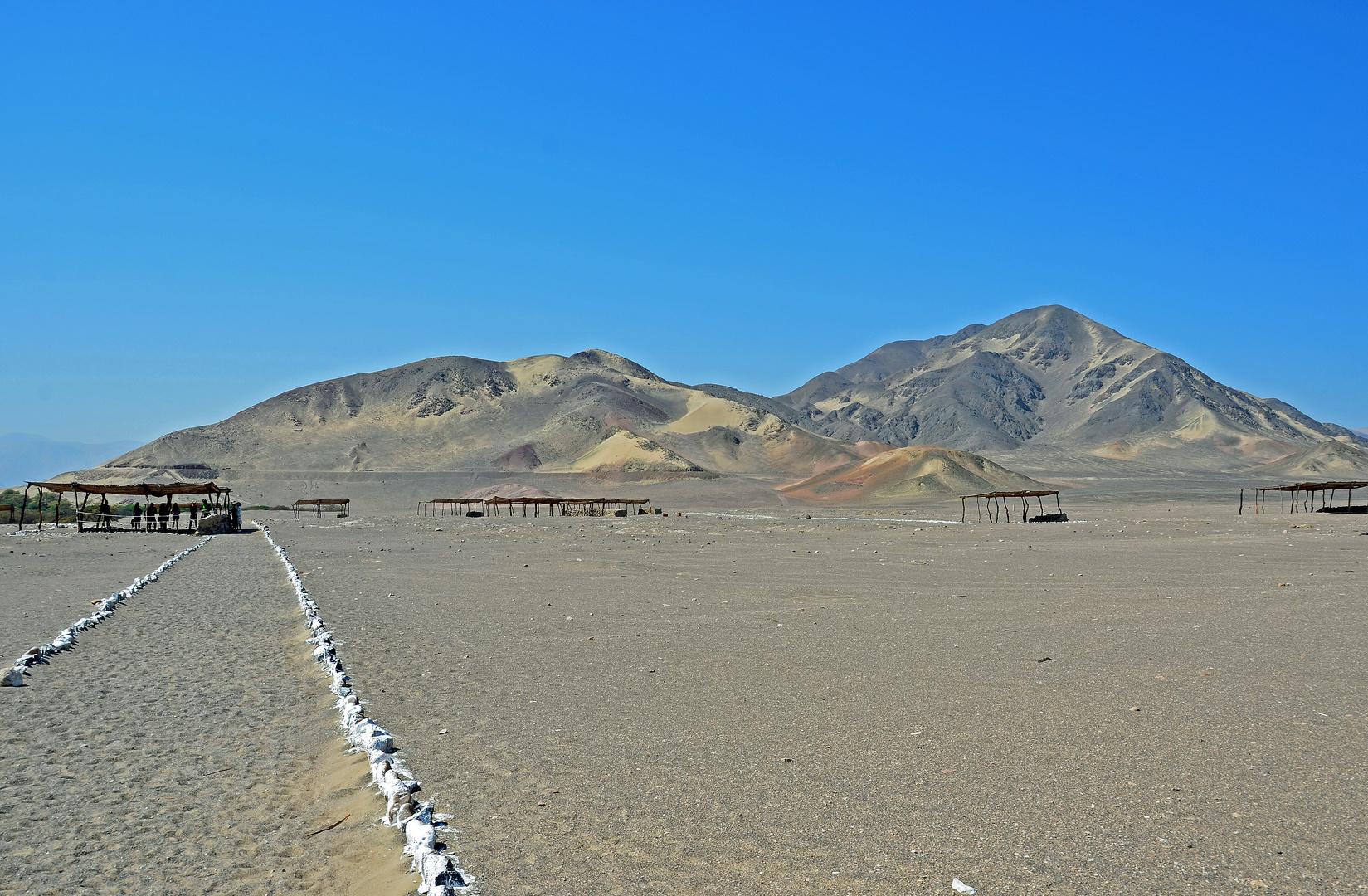 Wüstenlandschaft von Chauchilla in der Region Nazca