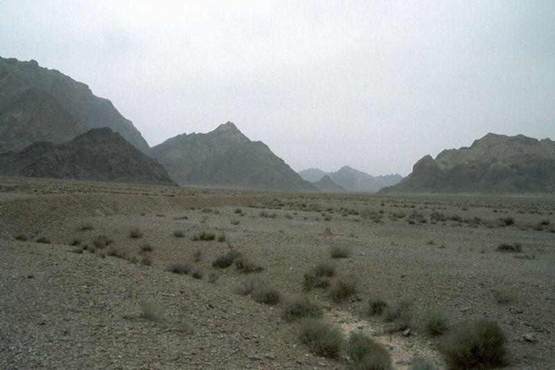 Wüstenlandschaft zwischen Abarkan und Cak-Cak