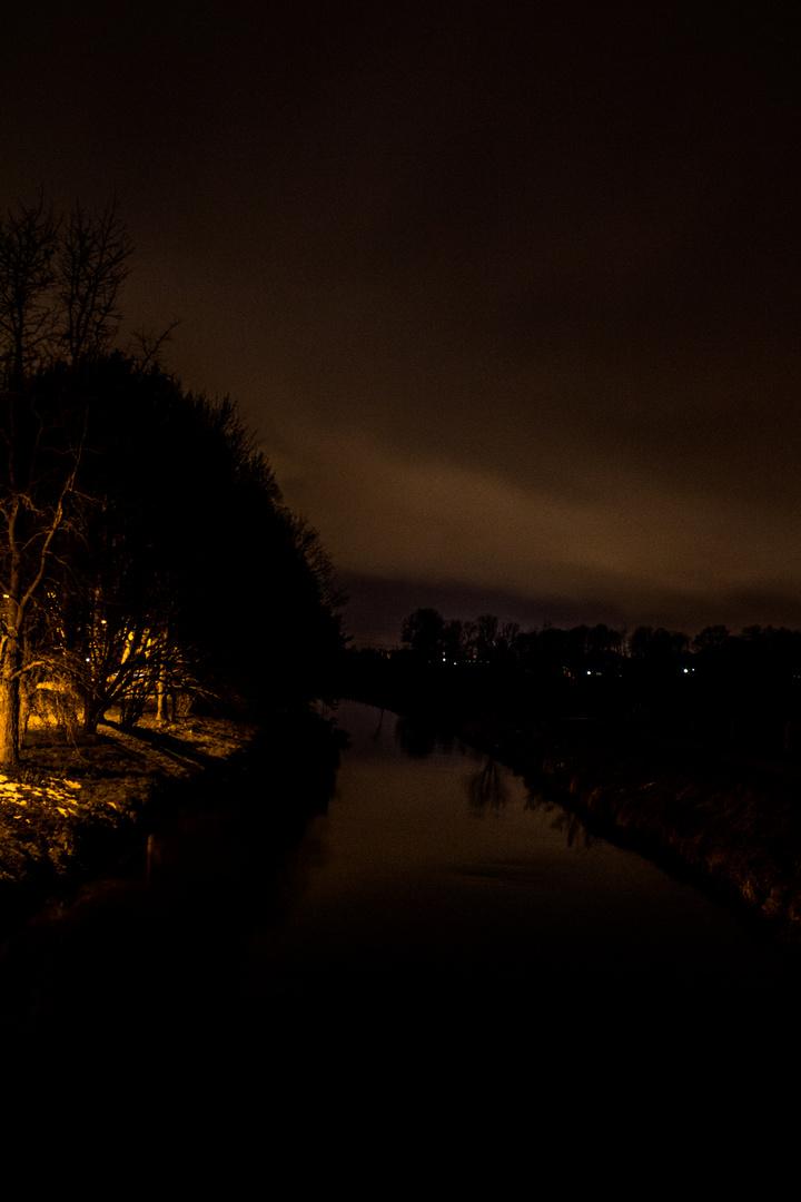 Wurm bei Nacht