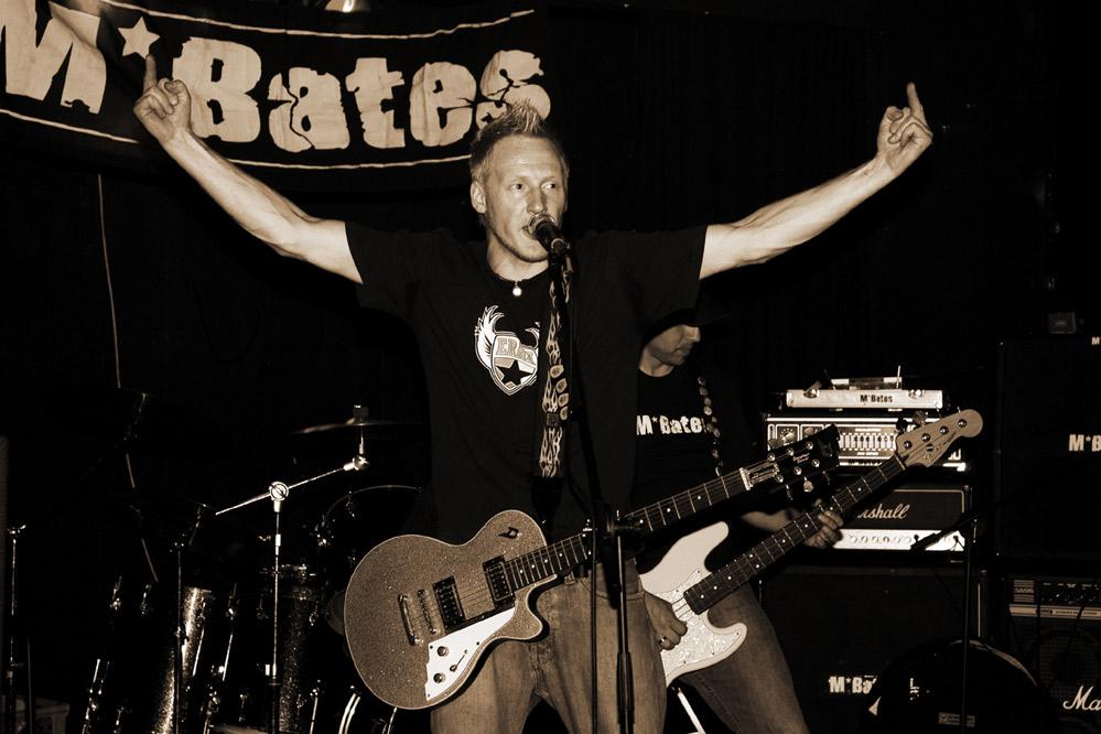 www.m-bates.com