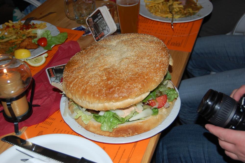 XXXXL Hamburger Foto & Bild | stillleben, essen & trinken, motive ...