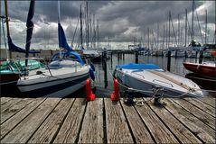 * Yachthafen *