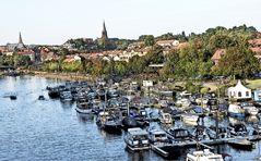 Yachthafen und Blick zur Altstadt Aschaffenburg