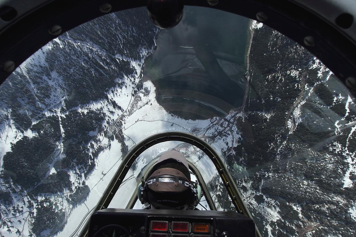 Yak 52 - über dem Haldensee