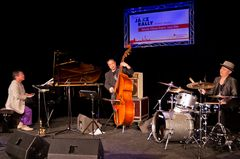 Yasuto Ohara Super Jazz Trio