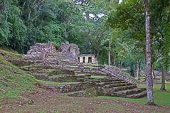 Yaxchilan - Die westliche Akropolis