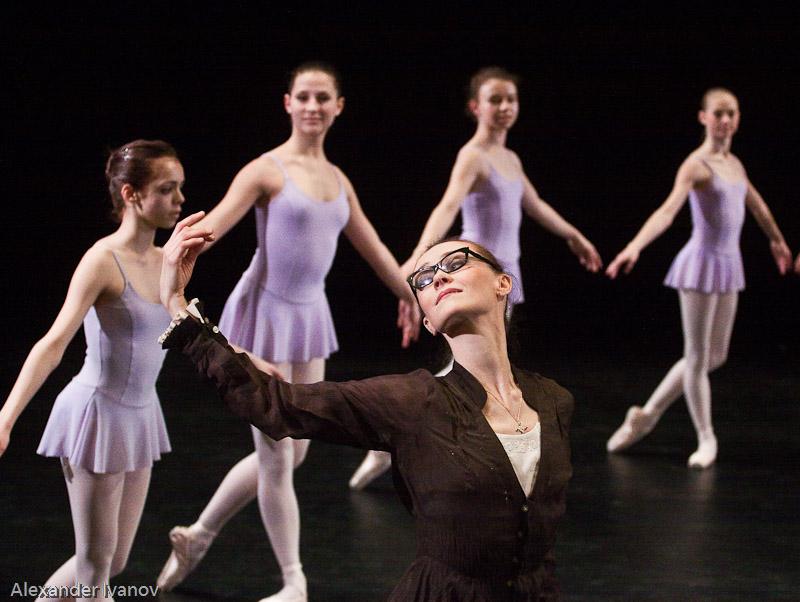 Yelena Pankova und Studierende der Ballett-Akademie der Hochschule für Musik und Theater München