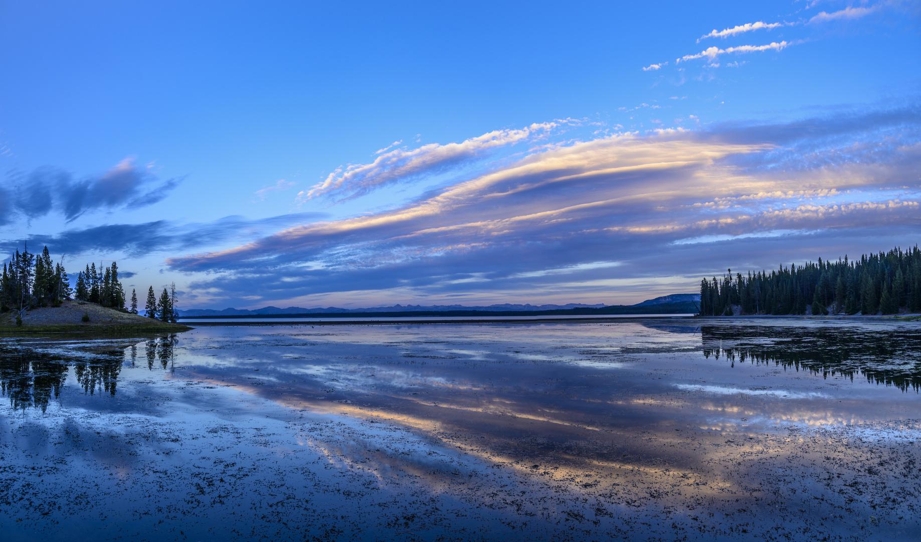 Yellowstone Lake, Wyoming, USA