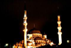 Yeni Camii de noche