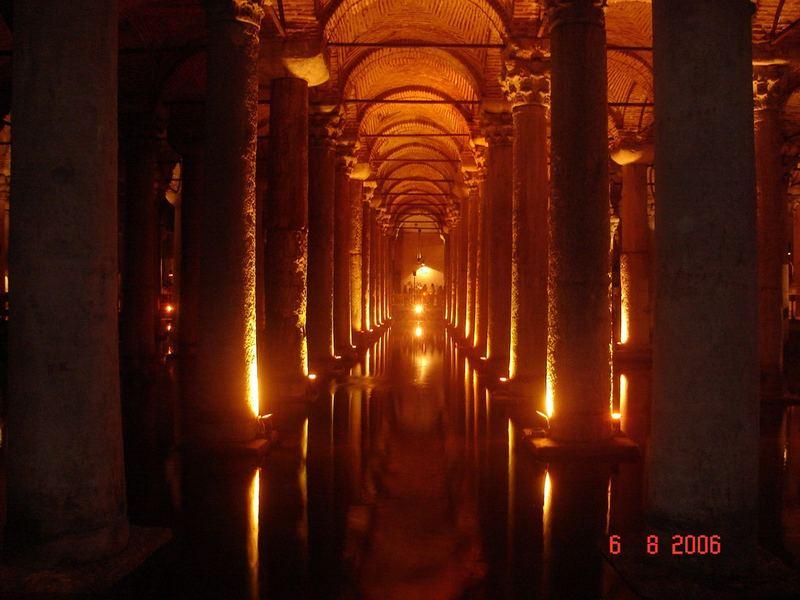 Yerebatan Sarnici - Basilica Cistern