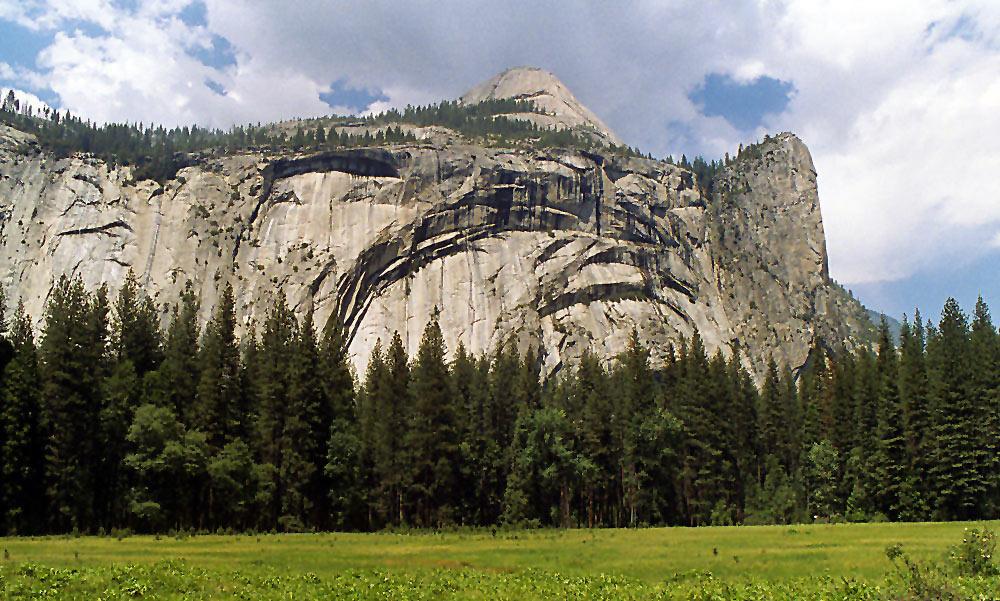 Yosemite Mountains scene