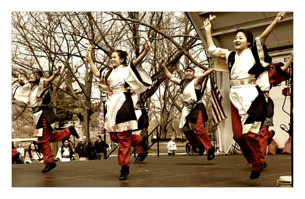 Young Japanese Dancers
