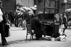Yul Anderson --------------------Live on Street --------------------------------