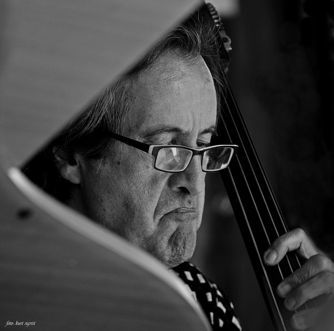 Yves Torchinsky, Kontrabass
