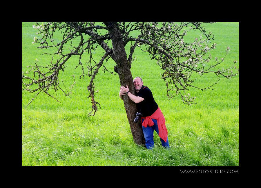 Zacki!!! Lass den Baum stehen!!!