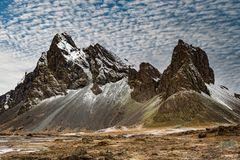 Zackig - Eystrahorn, Berge von Hvalnes.