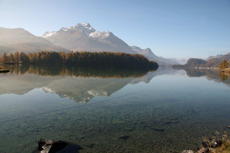 Zarter Herbstnebel am Morgen am Silsersee, Engadin