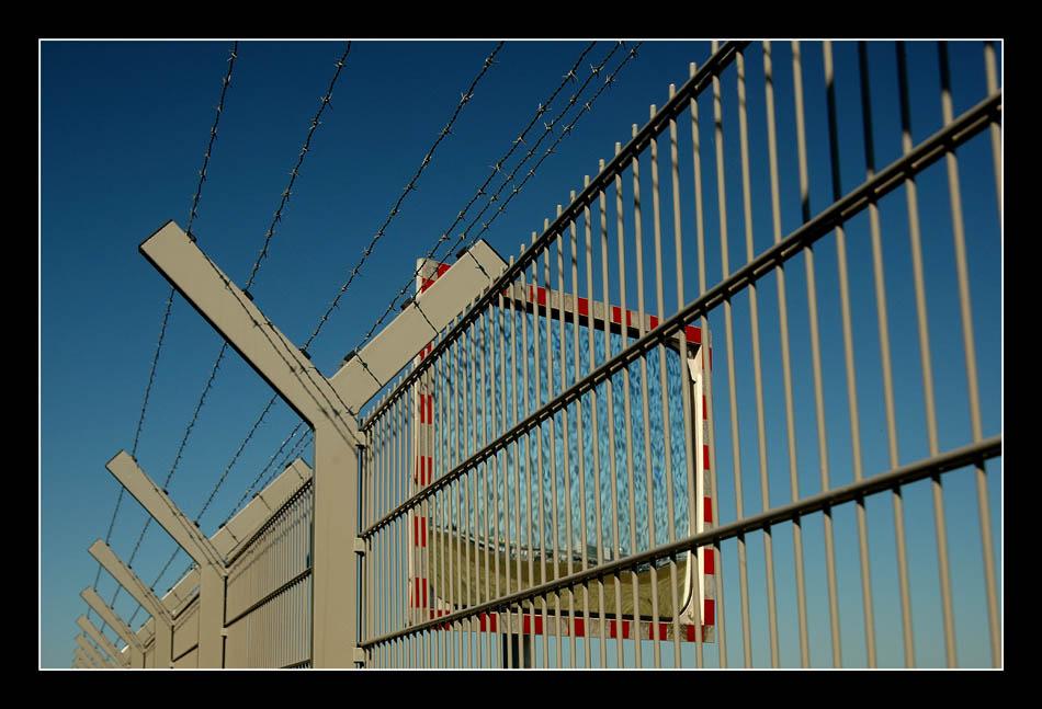 Zaun und Spiegel