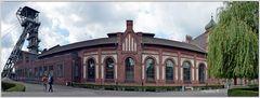 Zeche Zollern - Förderturm und Werksgebäude im Jugendstil