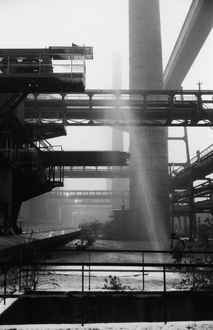 Zeche Zollverein 2 -Türme im Gegenlicht-