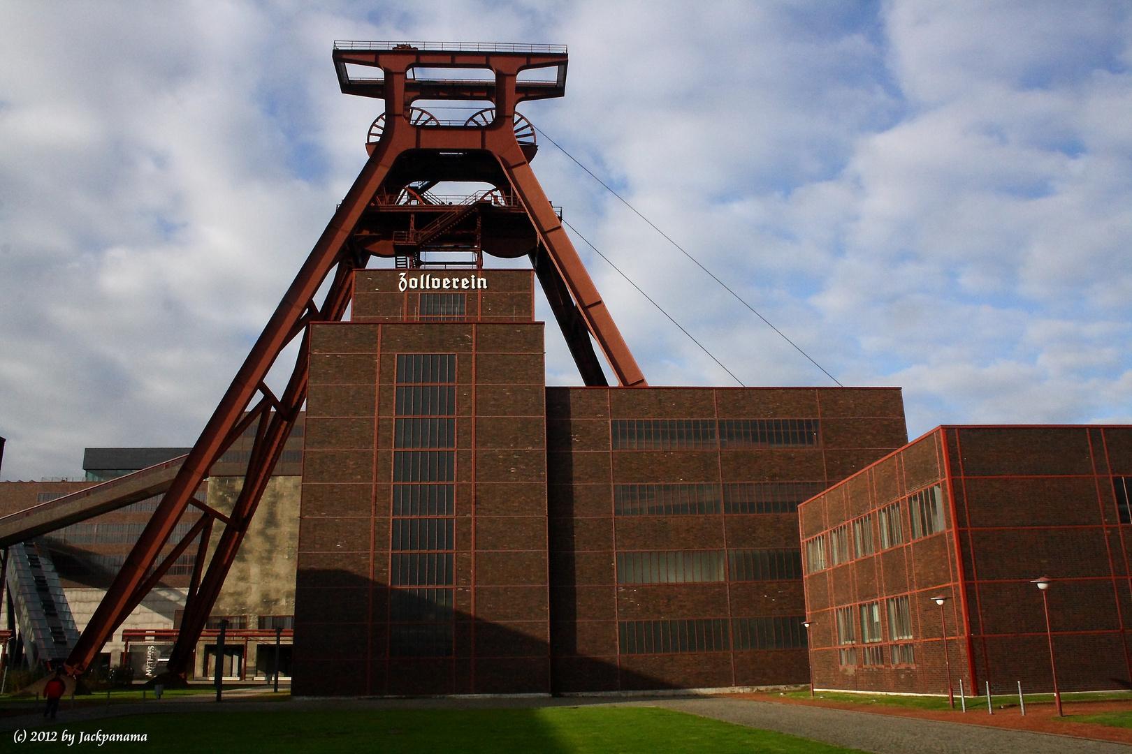 Zeche Zollverein, Essen: Der Doppelbock von Schacht 12