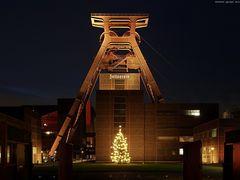 Zeche Zollverein mit Seilfahrt und Weihnachtsbaum