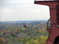 Zeche Zollverein Schacht XII mit Blick auf Schacht III, VII und X
