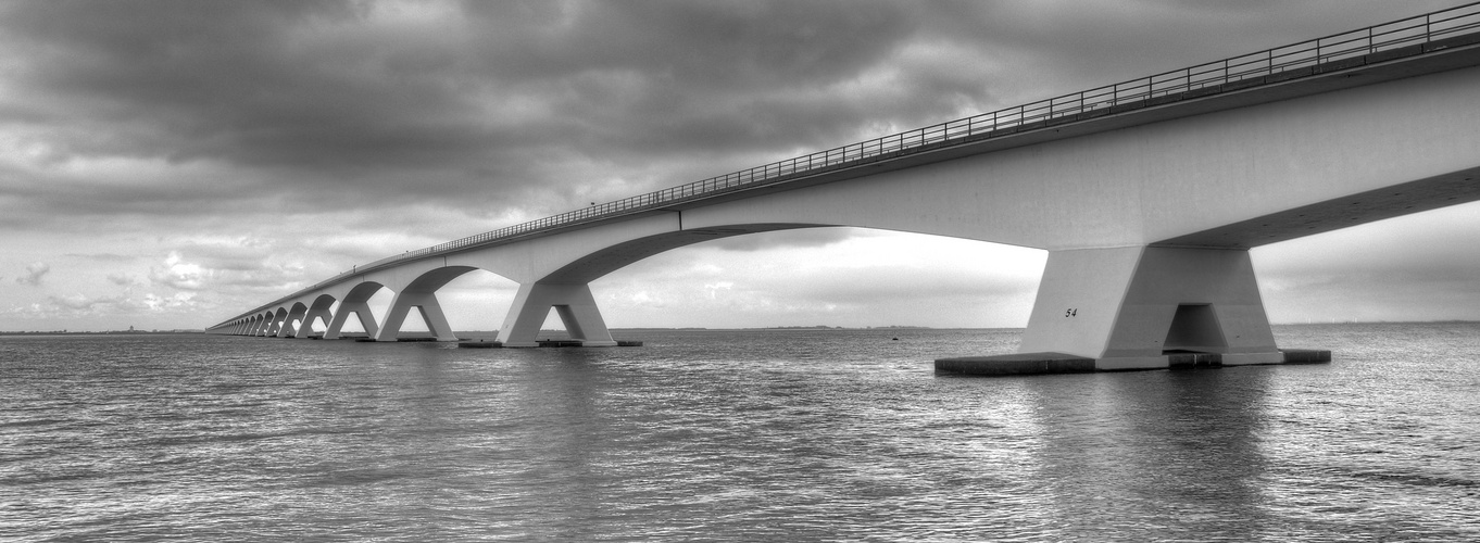 Zeeland-Brücke