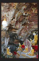 Zehntausend Buddhas in Kawgon