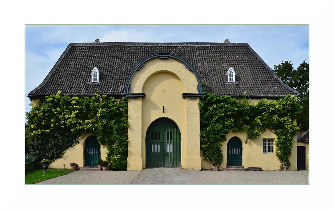 Zehntscheune an der Burg Linn, Krefeld