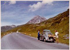Zeit - Doku 1960: mit 30 Käfer-PS durch die Alpen