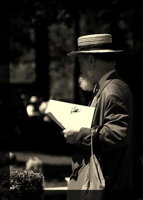Zeitung lesender Mann