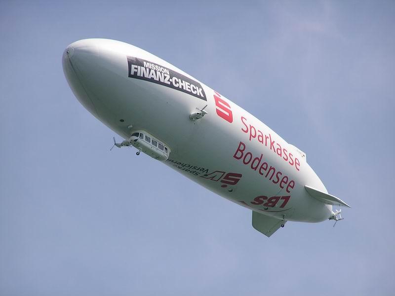 Zeppelin über'm Bodensee