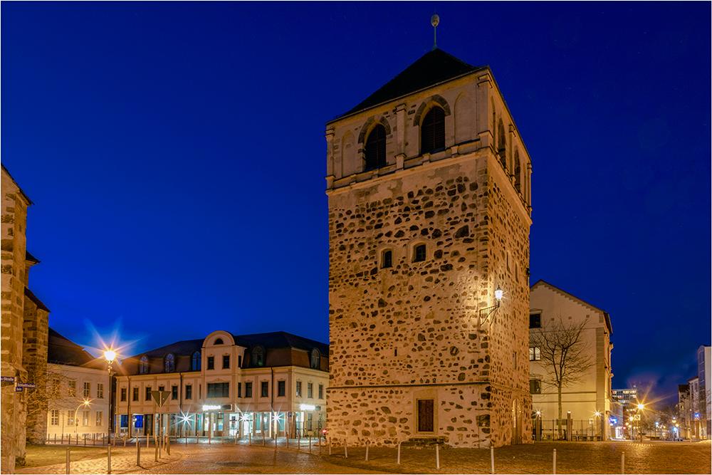 Zerbst soll noch  eine 4 Km lange Stadtmauer besitzen mit einigen gut erhaltenen Türman