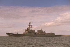 Zerstörer USS Farragut DDG 99 [Lantfleet/Desron 14]...
