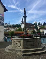 Zeughausbrunnen ...