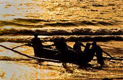 Ziehen die Fischer mit ihren Booten hinaus  .DSC_7451-2