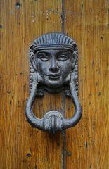 Zierden an Türen....in Italien 4