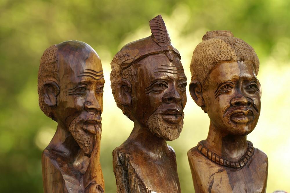 Zimbabwe - Holzschnitzkunst 3