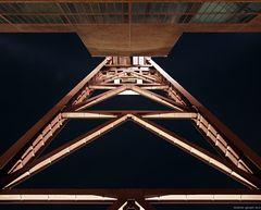 Zollverein - Fördergerüst in der Froschperspektive