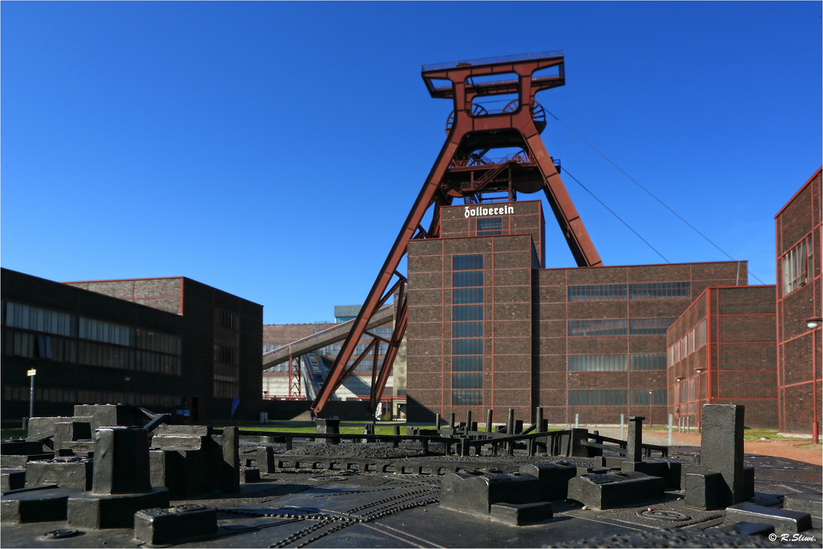 Zollverein - Original und Modell