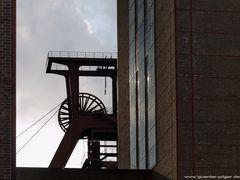 Zollverein Schacht I/II im Gegenlicht